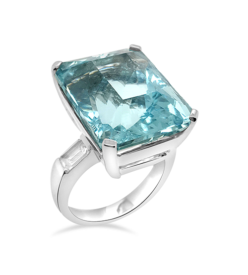Aquamarine cocktail ring, white gold