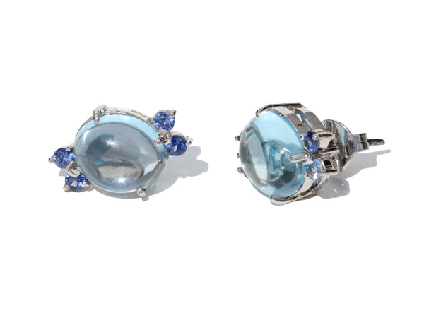 Pomellato style flower earrings in blue topaz cabochon with blue sapphires