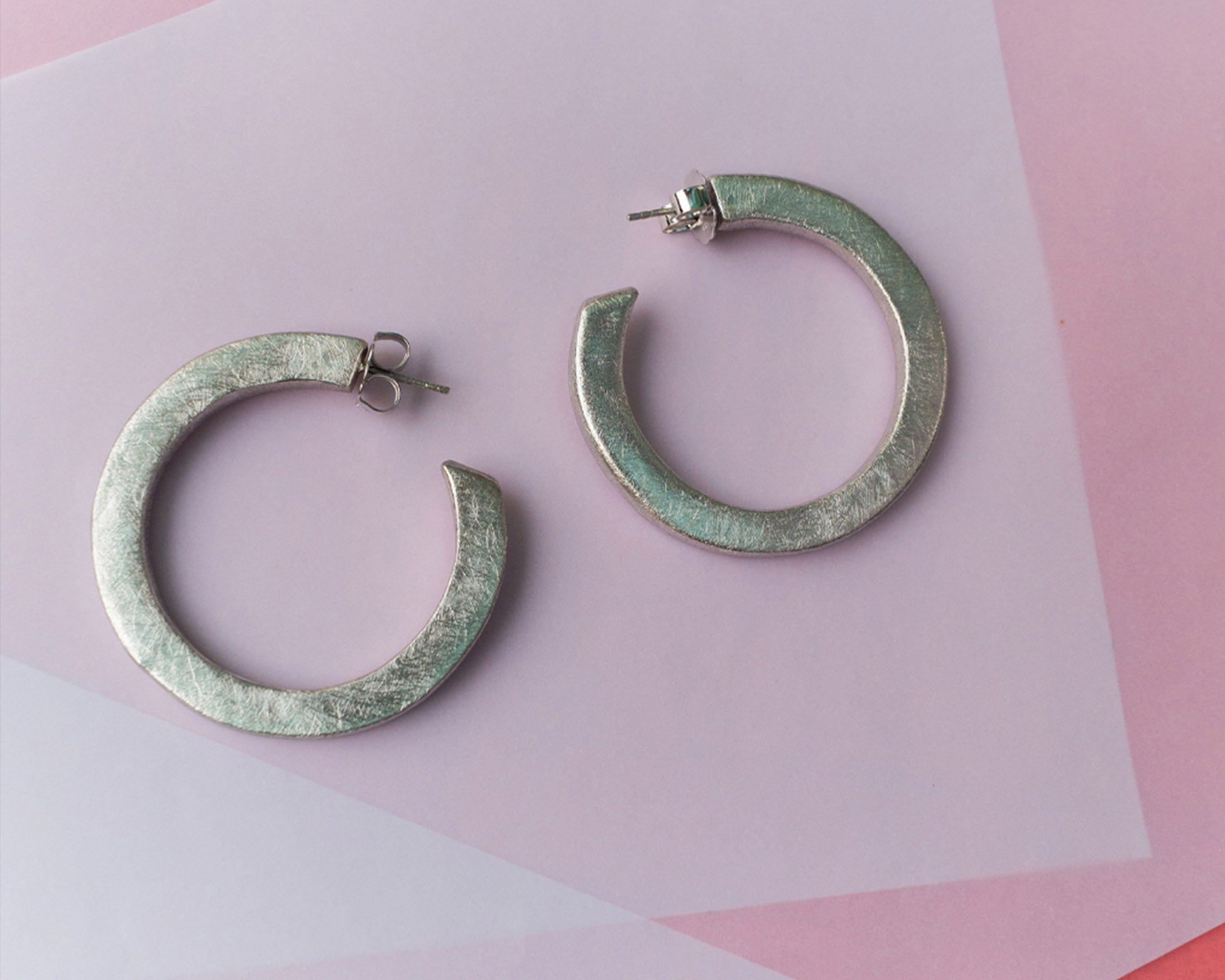 Textured Thin Hoops