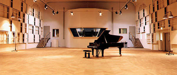 Ibert J., Entr'acte for flute and harpe, MM=100q - pianoaccompanimentstracks