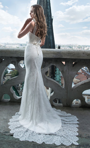 Delicate Lace Mermaid Wedding Gown