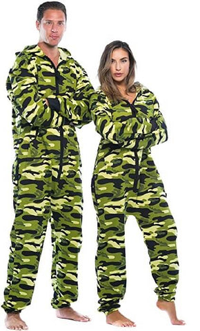 33 Matching Christmas Pajamas For Couples Bigberyl