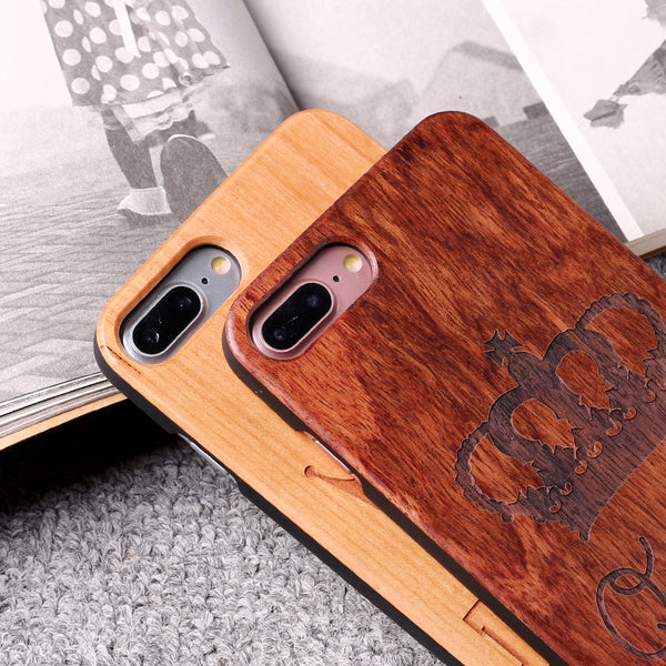 King and Queen Wood Carved iPhone Case for Couples - BigBeryl