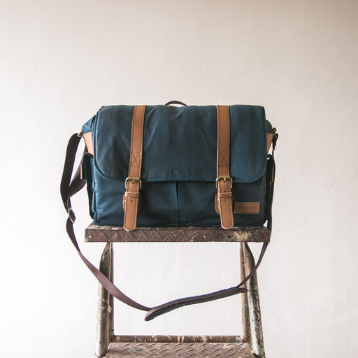 Gouache Camera Bag (Mallard Blue)
