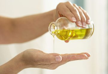 Olive oil speeds up wound and burn healing