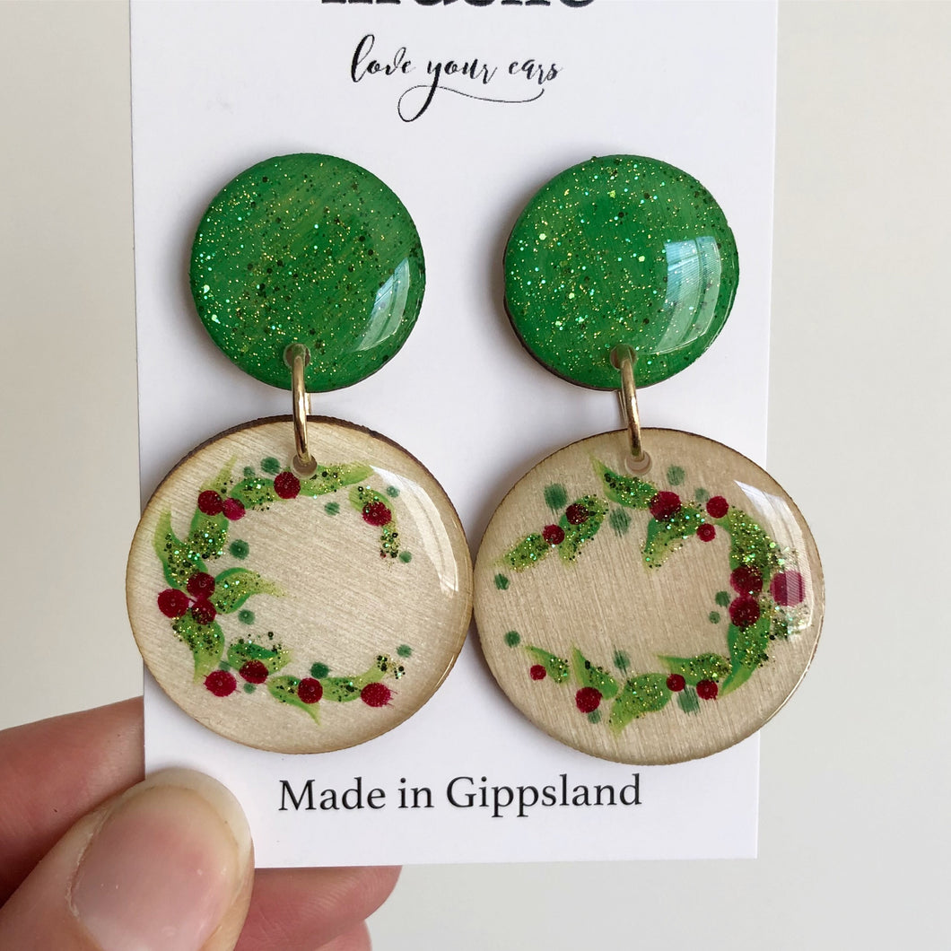 Christmas Dangles - Open Wreath in Sparkly Green