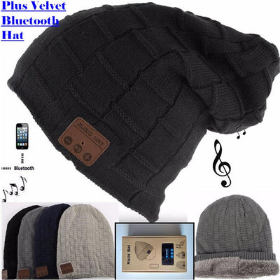 a490a859ffc Beanie with a built-in wireless Bluetooth device - Outdoor Nuts