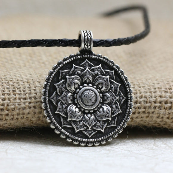 LANGHONG 1pcs Retro Tibet Spiritual Necklace Tibet Mandala pendant Necklace geometry amulet Religious jewelry - KrishQ