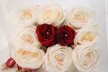 REBELLE LOVE BOX PEARL ROSES