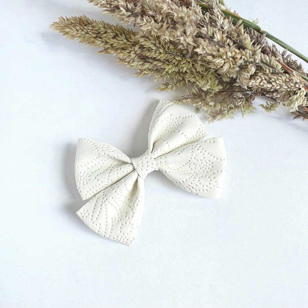 Carissa - Single Bow Clips or Headbands