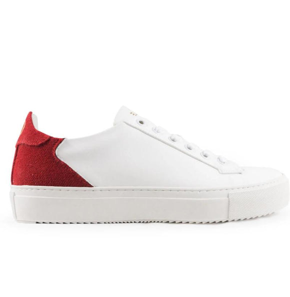 Baskets vegan blanches et talon rouge à lacets