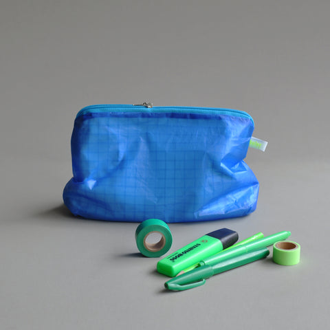 magic zipper pouch blue