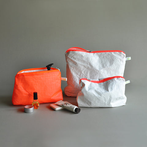 magic zipper pouch neon orange/white