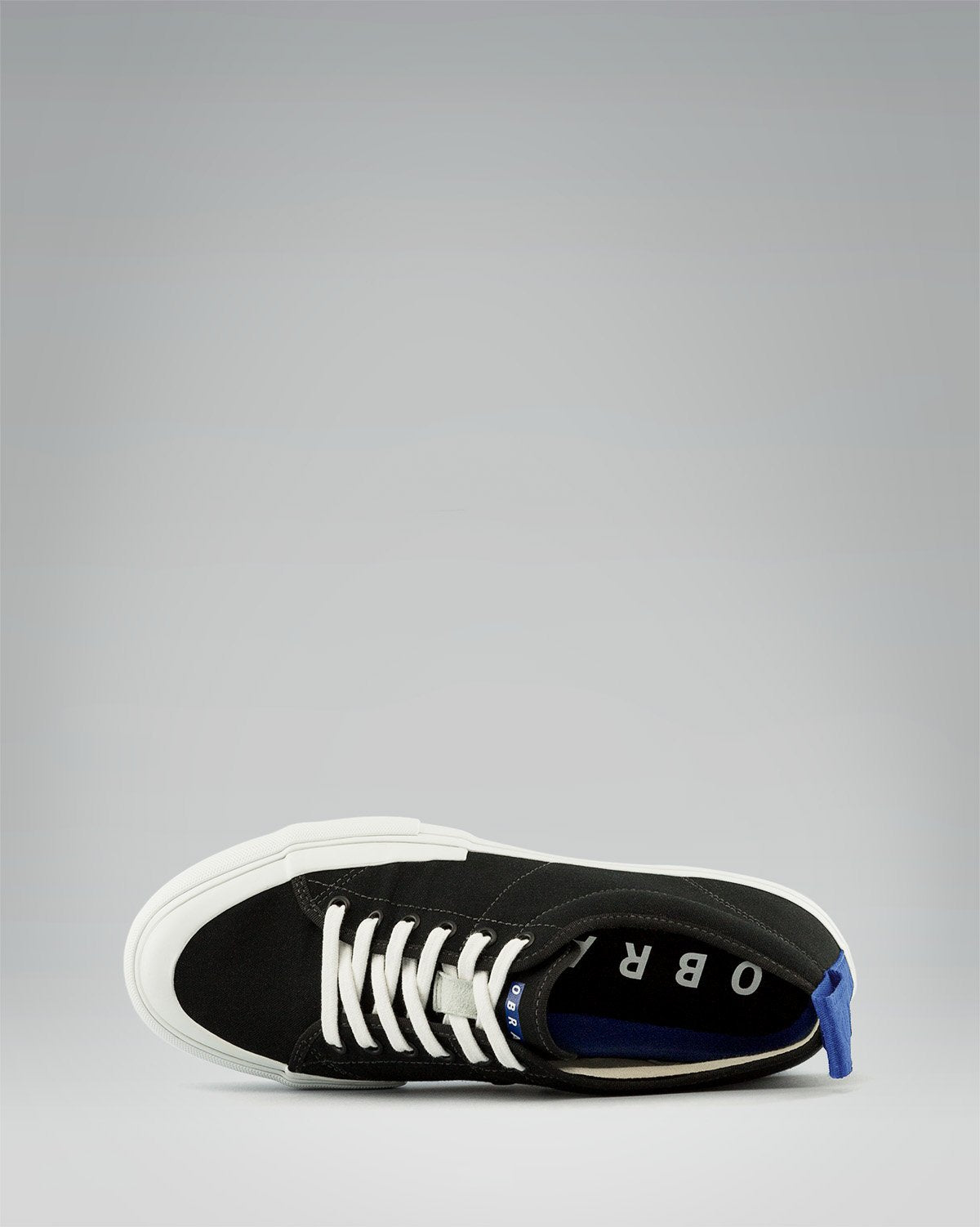 240 CANVAS LOW WRAP TOE<br />Black/White/OBRA Blue