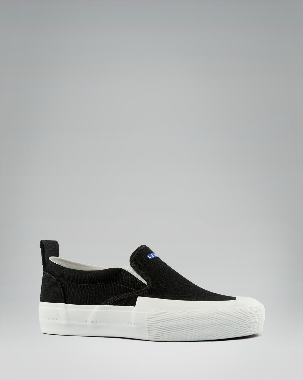 TERRA CANVAS SLIP-ON FULL CAP<br />Black/White/White