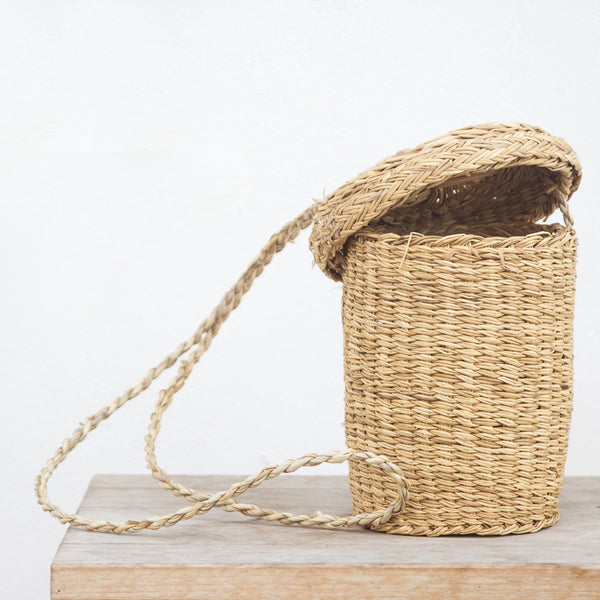 handmade in Italy Rush basket with lid and hand strap from Apulia Acquarica del Capo Siciliano Italian Handmade