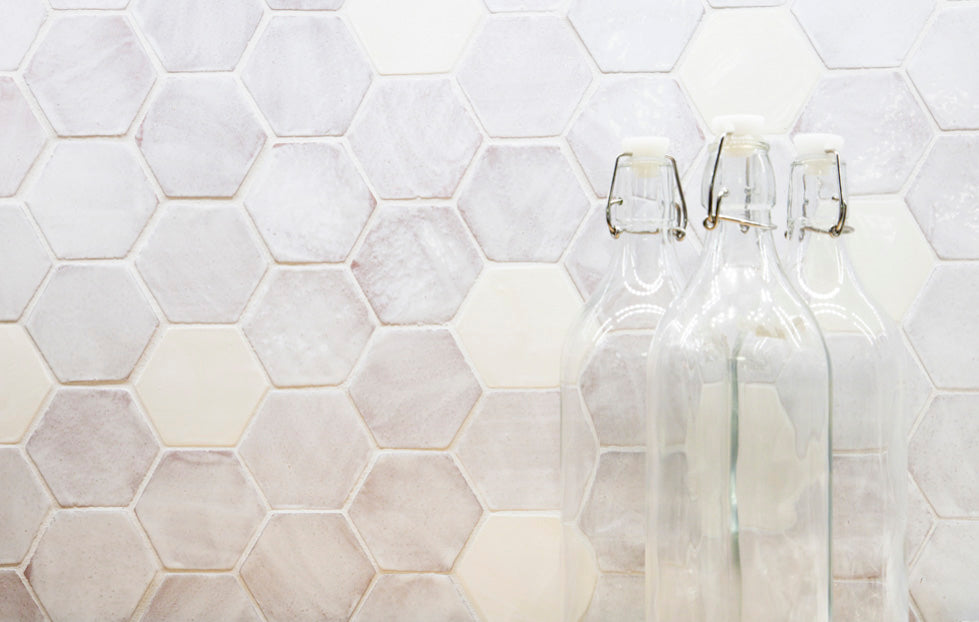 130 White Hexagon Backsplash