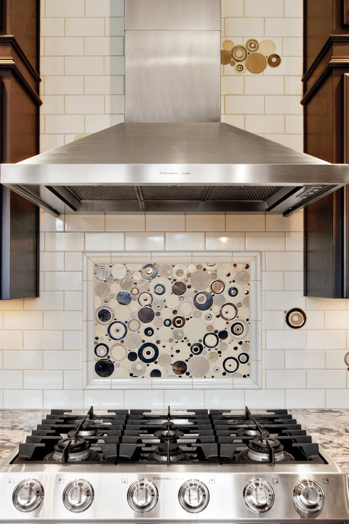 5-Stunning-Stove-Splashes 5 Stunning Stove Splashes Your Kitchen Needs All Kitchens Tile Inspiration   CitrusModernKitchen 5 Stunning Stove Splashes Your Kitchen Needs All Kitchens Tile Inspiration   Annie-Henderson-WEB-8 5 Stunning Stove Splashes Your Kitchen Needs All Kitchens Tile Inspiration   Ball-web 5 Stunning Stove Splashes Your Kitchen Needs All Kitchens Tile Inspiration