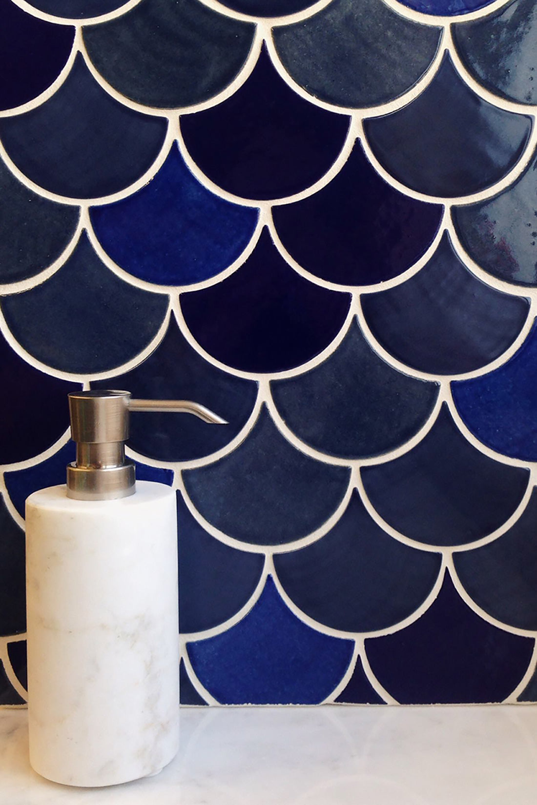 5-ways-to-create-a-dreamy-moroccan-space 5 Ways to Create a Dreamy Moroccan Escape All Bathrooms Kitchens Tile Inspiration   michellegage1 5 Ways to Create a Dreamy Moroccan Escape All Bathrooms Kitchens Tile Inspiration   Moroccan-Fish-Scales 5 Ways to Create a Dreamy Moroccan Escape All Bathrooms Kitchens Tile Inspiration