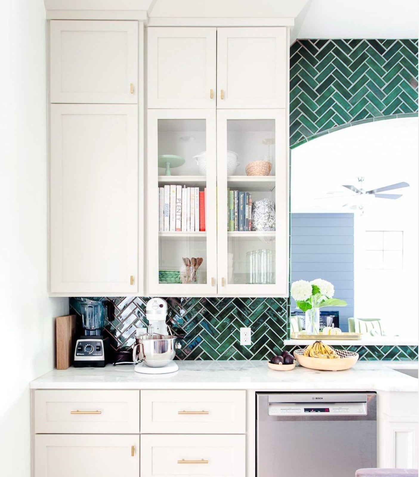Classic Kitchen Tile Design