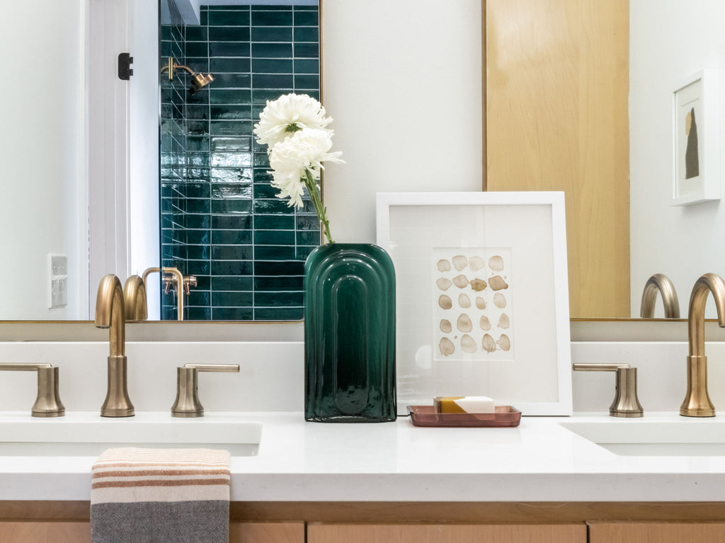 emerald green stacked subway tile