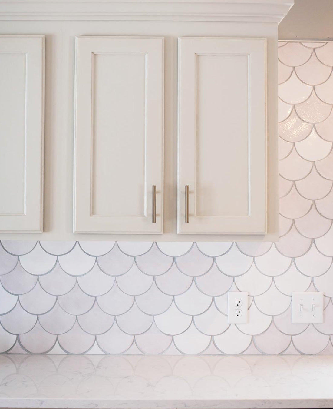 - Before And After - White Moroccan Fish Scales Kitchen – Mercury
