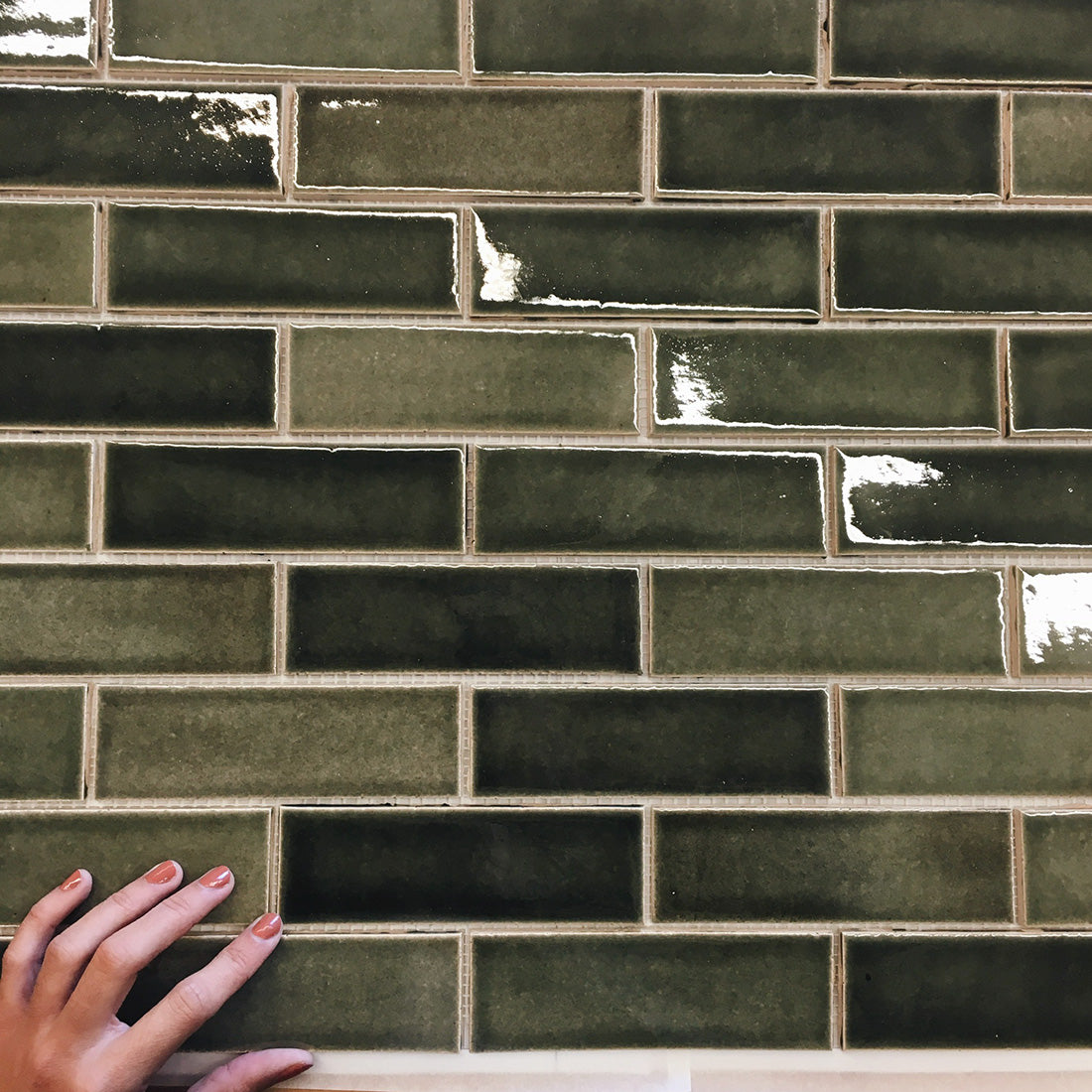How to choose the perfect subway tile color and pattern mercury header 110816 how to choose the perfect subway tile color and pattern all bathrooms kitchens dailygadgetfo Images