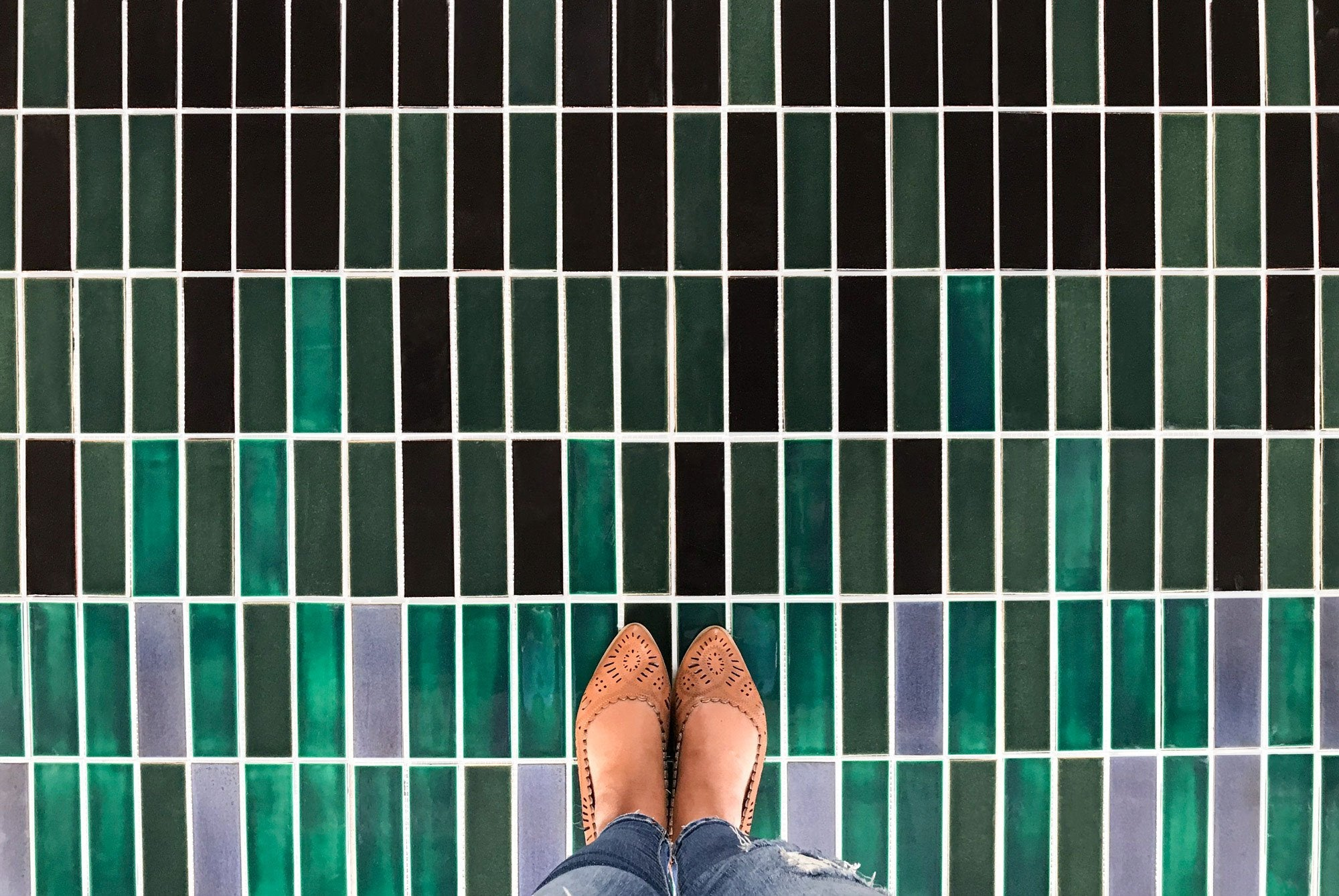 Ombre Stacked Subway Floor Tile