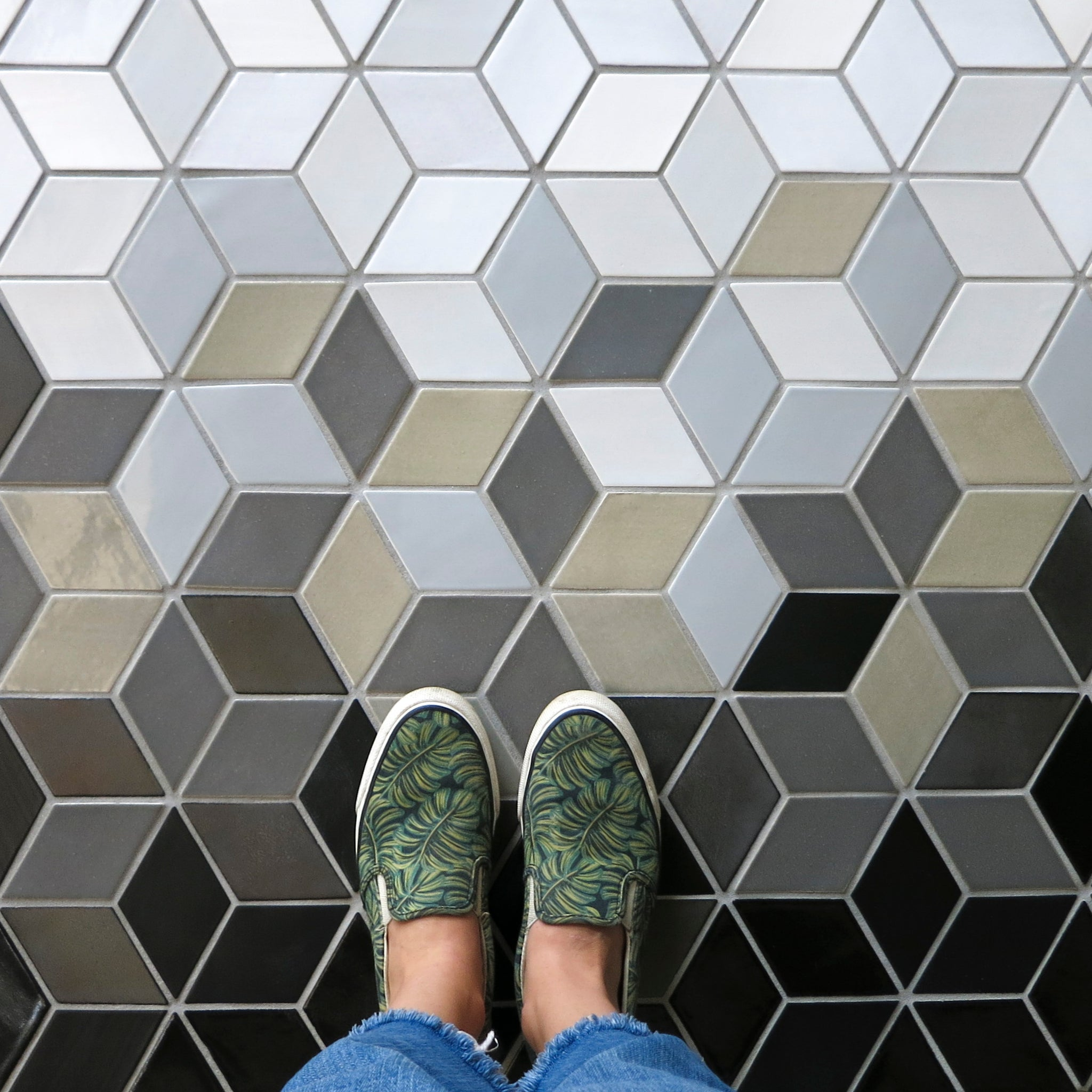 Ombre Floor Tile