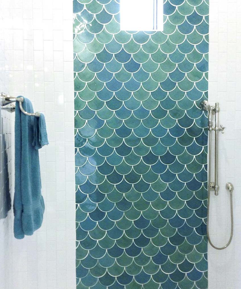 Sea Mist Accent Shower Wall