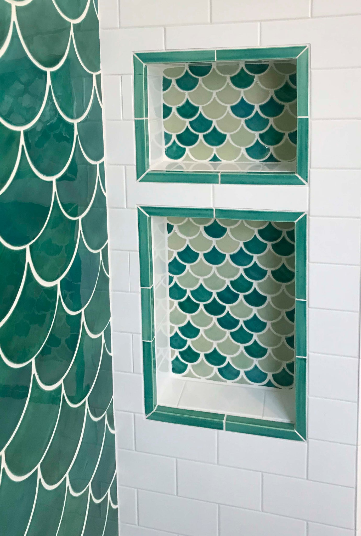 11 Ways to Use Fish Scale Mosaics | Wall Tile Pattern Ideas ...