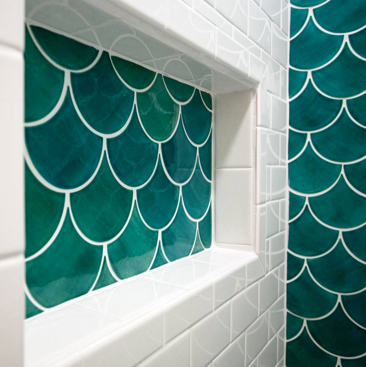 11 Ways to Use Fish Scale Mosaics   Wall Tile Pattern Ideas ...