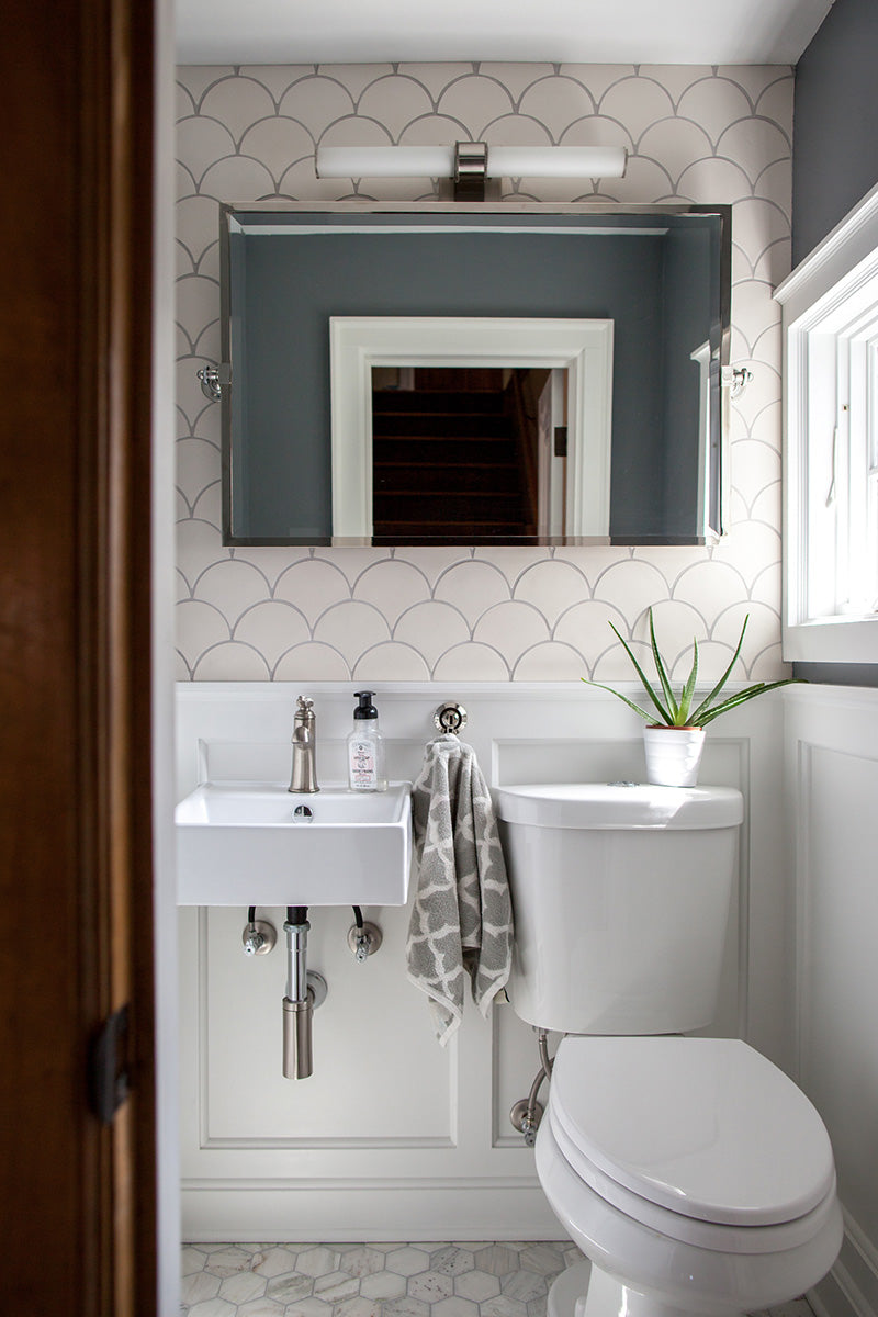 3 small bathroom ideas using moroccan fish scales mercury mosaics - Pictures of small bathrooms ...