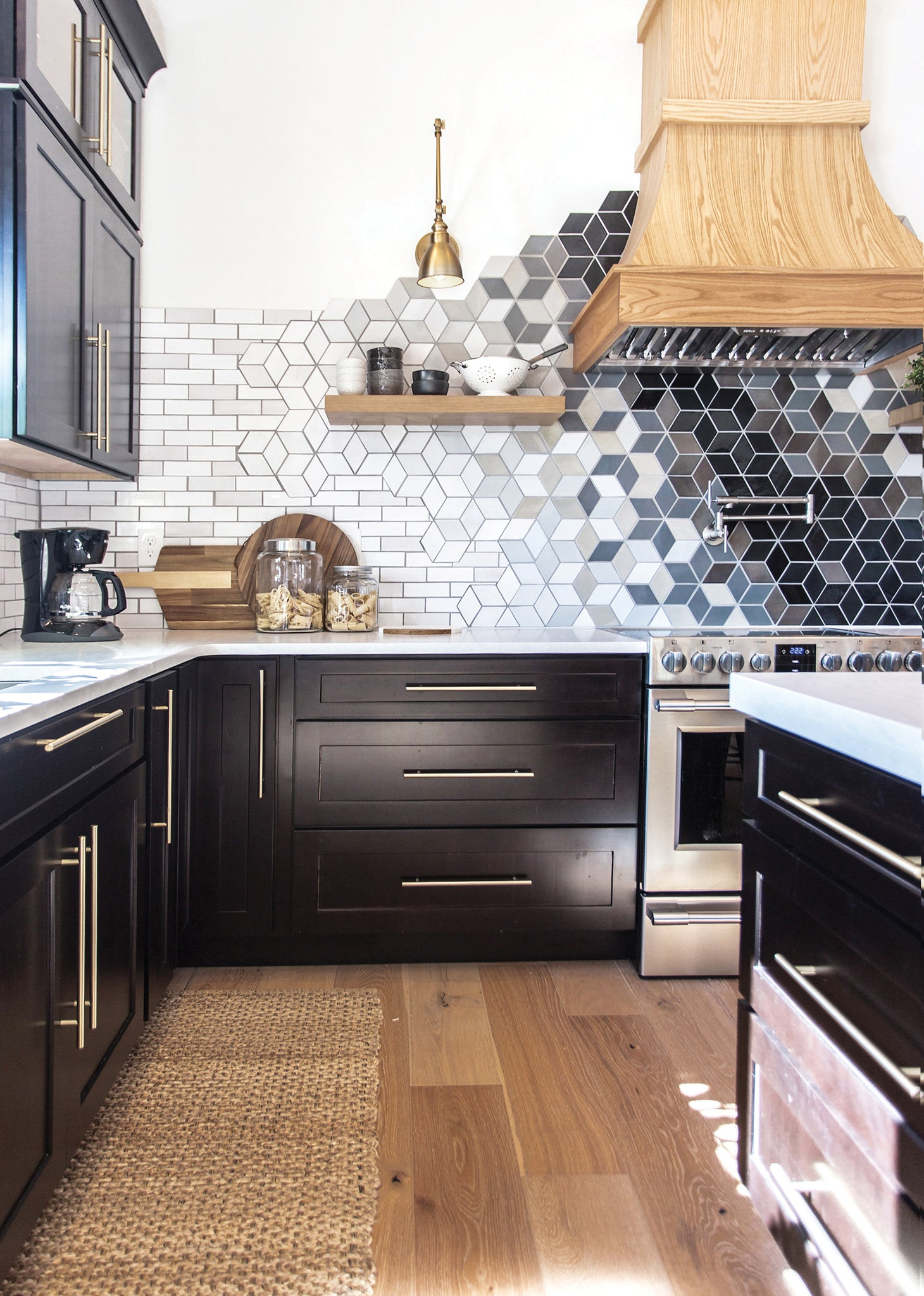 construction2style Statement Kitchen Backsplash