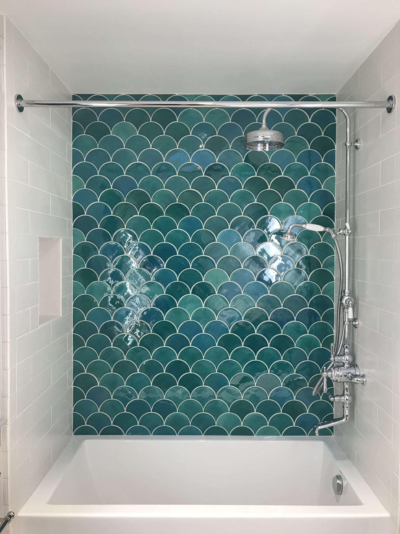 Green Fish Scale Tile Wall