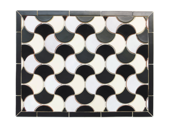 "20""x26"" Stove Splash - Medium Moroccan Fish Scales - Black and White"
