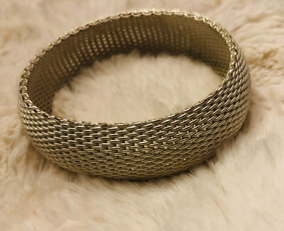 Pearl Mesh Metal Bangle