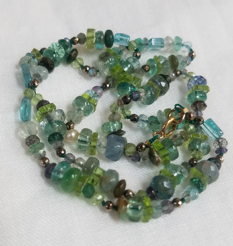 Blue and green gems necklace