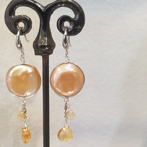 Goldish pearls earrings