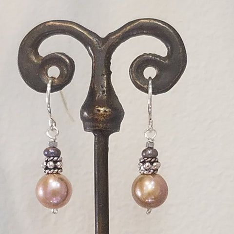 Luminance Pearl earrings