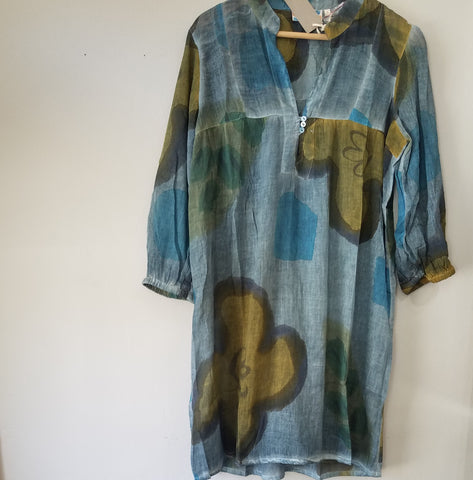 Big flowers tunic