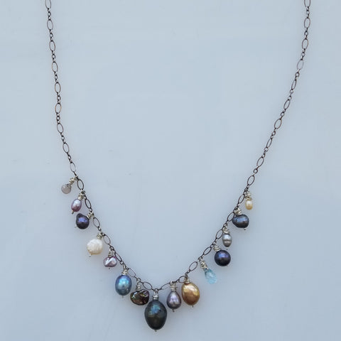 Swinging Pearls necklace