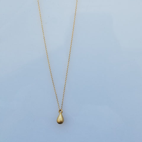 Golden drop necklace