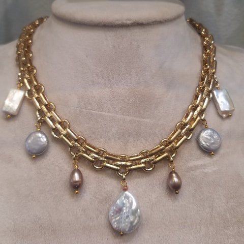 Heavy links with Pearls necklace