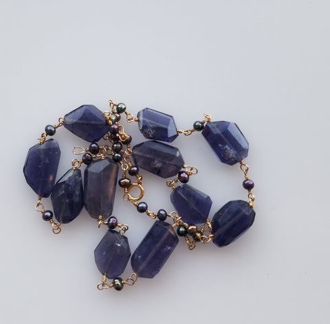 Iolite and midnight pearls necklace