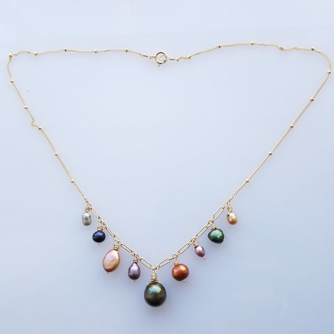 Warm color pearls necklace