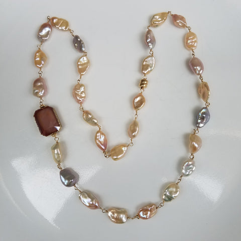 Peach perfect pearls necklace/bracelet