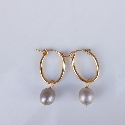 Classic Pearl hoops earrings
