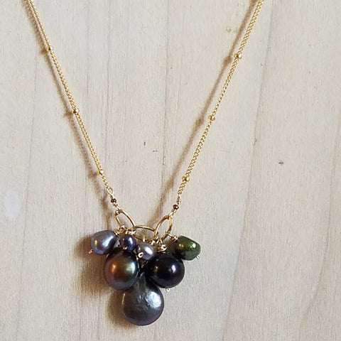 Pearls of night necklace