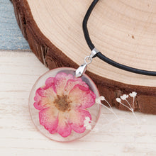 Handmade Resin Dried Flower Necklace (5 flowers)